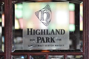 highland-park-logo