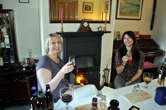 guest-whisky-tasters-lee-madigan-and-claudia-brisci