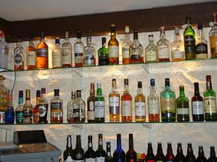 taychreggan-whisky-gantry